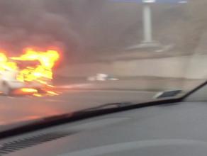 Płonący Opel Astra na Chwaszczyńskiej