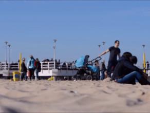 Niedzielne tłumy na plaży w Brzeźnie