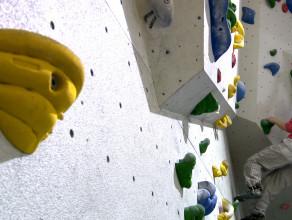Bouldering, czyli bezpieczna wspinaczka dla każdego