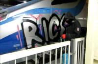 Grafficiarze pomazali Pendolino