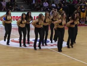 Nawet na Polskich parkietach,może być jak na NBA - Cheerleaders Flex Sopot