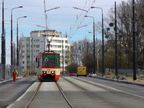 Wiosenne prace przy przebudowie linii tramwajowej na Przeróbce