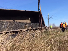 Wykolejenie wagonów z węglem na Olszynce