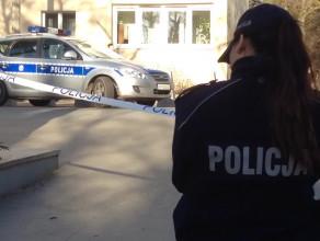 Policja zabezpiecza miejsce strzelaniny - jak się później okazuje, w ramach ćwiczeń