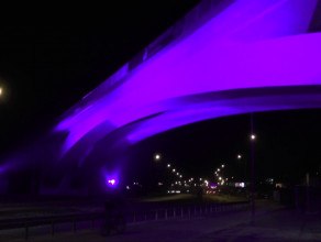 Przetestowaliśmy działanie iluminacji wiaduktu PKM