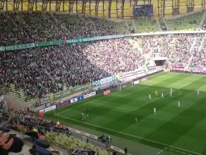 Vranjes strzela gola dla Lechii w meczu z Górnikiem Łęczna