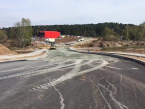 Prace przy budowie dojazdów do przystanku PKM Jasień