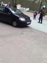 Kolejne auto na Monciaku