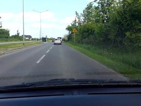 Wyprzedzanie przez policjantów autobusu na przejsciu  w nieoznakowanym samochodzie !