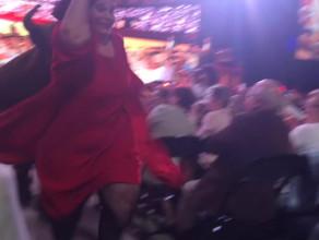 Byk szalejący na widowni podczas koncertu André Rieu