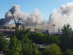 Pożar w stoczni w Gdyni