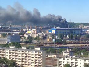 Pożar hali w Stoczni Marynarki Wojennej w Gdyni