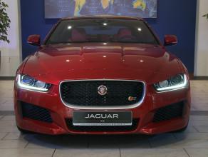 Premiera Jaguara XE