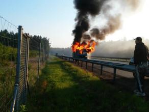Pożar auta na obwodnicy koło Tesco