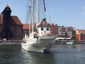 Parada Baltic Sail - Minerwa zawraca