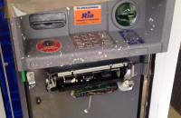 Uszkodzony bankomat przy ul. Chwarznieńskiej