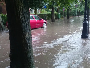 Oliwa - zalana ulica Obrońców Westerplatte
