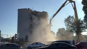 Wyburzanie budynku przy al. Grunwaldzkiej