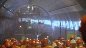 Gotowa płyta jezdna w pierwszej nitce tunelu pod Martwą Wisłą