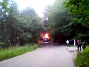 Nagranie płonącego autobusu