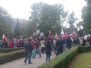 Manifestacja pod pomnikiem Sobieskiego - Nie dla imigrantów