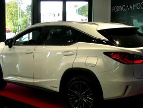 Lexus RX. Do czterech razy sztuka