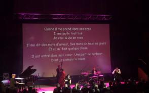 "Piaf ""La vie en rose"" śpiewane z publicznością"