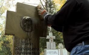 Sprzątanie grobów to wydatek na każdą kieszeń