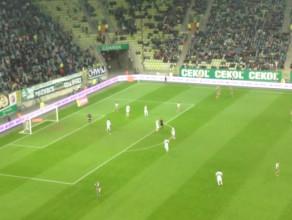 Tomasz Jodłowiec strzela na 3:1 dla Legii w meczu z Lechią