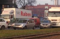 Policyjny radiowóz utknął w korku na Wałach Piastowskich