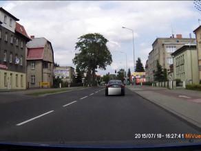 Stop agresji drogowej: gapiostwo i przejazd na czerwonym
