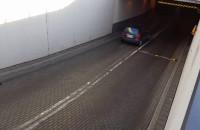Kierowcy narzekają na próg zwalniający przy CH Manhattan