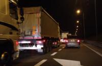 Kilkukilometrowy korek w kierunku autostrady