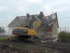 Wyburzenia domów w Starych Babkach na Żuławach
