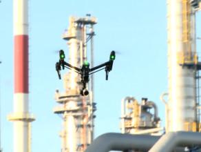 Gdańska rafineria z pokładu drona