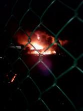 Nocny pożar hali motoryzacyjnej przy al. Hallera