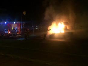 Pożar auta przy Castoramie w Oliwie