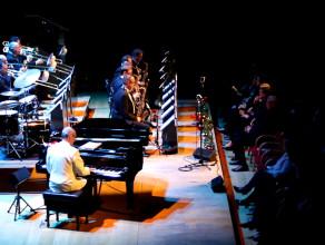 """""""Moonlight Serenade"""" Glenn Miller Orchestra"""
