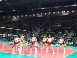 Cheerleaders Flex podczas meczu w Gdyni