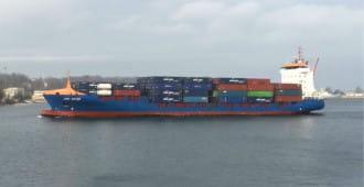 Kontenerowiec Jork Rover wpłynął do gdyńskiego portu