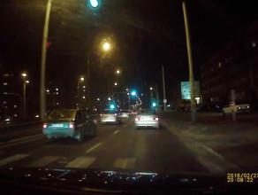 Mercedesem po chodniku 50 km/h