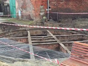 Odkopano dawną obrotnicę do wagonów na Wyspie Spichrzów