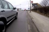 Niebezpieczne wyprzedzanie rowerzysty