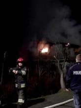 Pożar domu na działce na stogach - strażacy i policja
