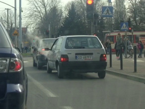 Pali się samochód pod maską