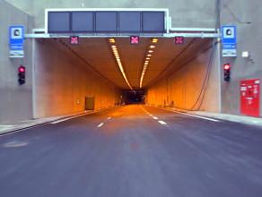 Przejazd tunelem pod Martwą Wisłą