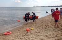 Ćwiczenia ratowników wodnych w Brzeznie