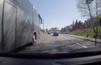 Wojskowego autobusu przepisy nie obowiązują?