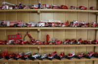 Kolekcjoner miniatur wozów strażackich