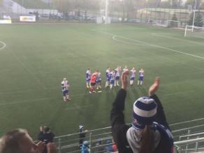 Radość piłkarzy i kibiców Bałtyku po wygranej w III-ligowych derbach